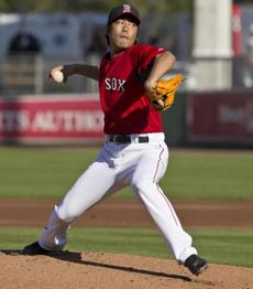 Koji Uehara, who played with the Yomiuri Giants for 10 seasons, will be bringing his own style to the Red Sox as a late-inning setup man.