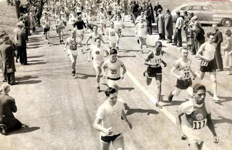 Sports/ Print scan. Boston Marathon, year by year for preview section. Story on evolution of the race. 1949 Boston Marathon underway. Image for 4/16/10 Globe filephoto -- Marathonhistory