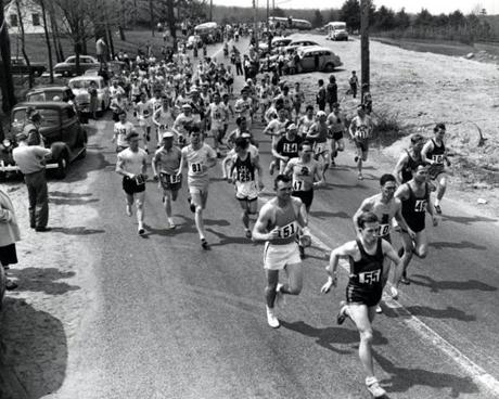 Sports/ Print scan. Boston Marathon, year by year for preview section. Story on evolution of the race. Hopkington Ma. start of 56th Boston Marathon 4/29/1952. A.P. photo. Image for 4/16/10 -- Marathonhistory