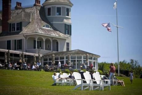 12newport - The waterfront Lawn at the Castle Hill Inn is ideal for al fresco dining. (Castle Hill Inn)