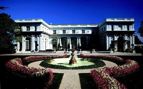 12newport - Rosecliff served as Jay Gatsby's mansion during the 1975 film, starring Robert Redford and Mia Farrow. (The Preservation Society of Newport County)