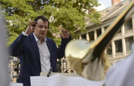 At Faneuil Hall, Nelstons led a BSO brass ensemble.
