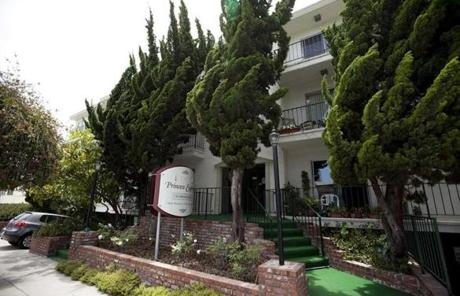 Bulger and Greig lived in this Santa Monica apartment building under the aliases Carol and Charles Gasko.