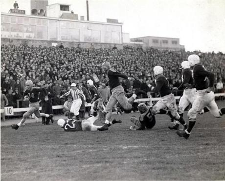 Don Hutson, left with ball, drove for a score during a Packers game at City Stadium in 1944.
