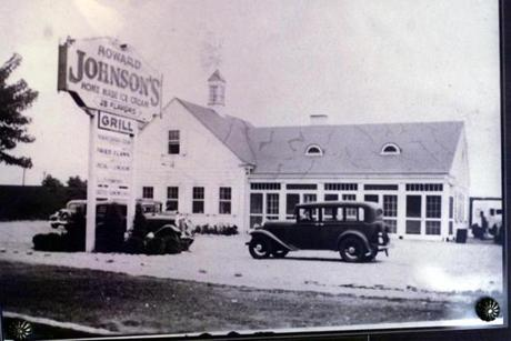 The Howard Johnson's on Old Colony Parkway in the 1930s.