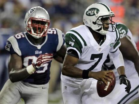 Chandler Jones chased down Geno Smith during the second quarter.