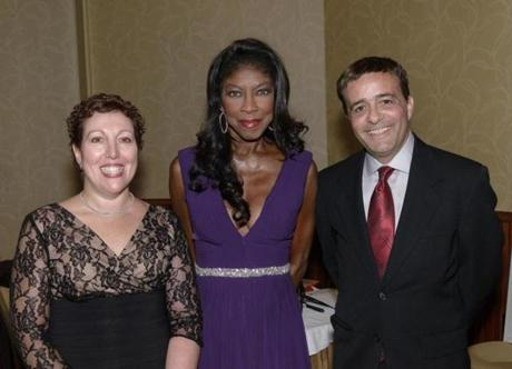 Price Center Gala co-chairwoman Michelle Feinberg (left), Natalie Cole, and the gala's emcee, Jordan Rich of WBZ-AM.