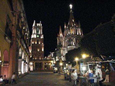 The cathedral Parroquia San Miguel Arcangel at night.
