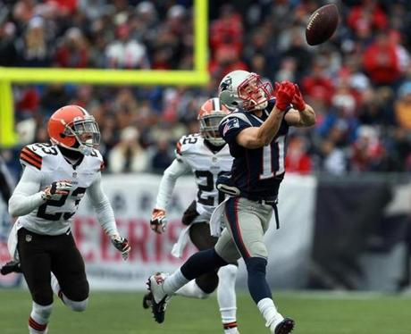 Patriots wide receiver Julian Edelman was unable to make the catch on a first-quarter pass attempt as New England faced off against the Browns.