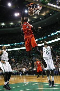 Terrence Ross dunked in the fourth quarter.