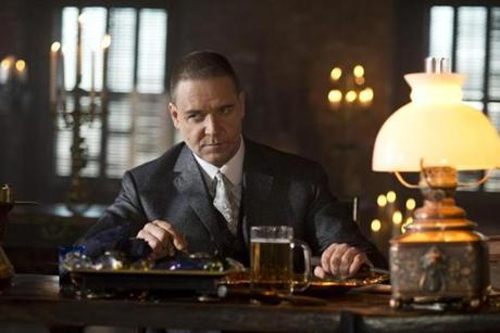 Russell Crowe plays Pearly Soames, a gangster boss in pursuit of onetime underling Peter Lake, played by Farrell.