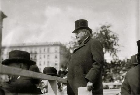 American lawyer and diplomat Joseph Hodges Choate with a paper in his hand adressed a largely unseen audience.