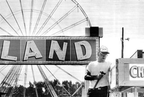 September 9 1986 / fromthearchive / Robert Avilley got a food stand ready for the opening day of the Big E Exposition in Springfield, which began it's 10 day run. Big E officials estimated as many as 1.2 million people would attend. It took more then 2,700 paid workers and an equal number of volunteers to set and staff the exhibits, cook the food and answer questions.