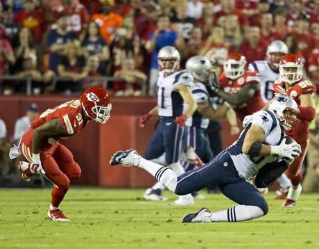 Rob Gronkowski hauls in a reception beating Kansas City Chiefs Marcus Cooper during second quarter. (Matthew J. Lee/Globe staff)