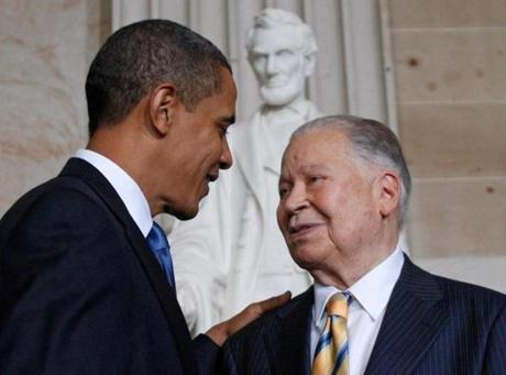 U.S. President Barack Obama congratulates Congressional Gold Medal honoree former Senator Edward William Brooke during a ceremony on Capitol Hill in Washington, in this file photo from October 28, 2009. Brooke, the Massachusetts Republican who was the first African-American to be popularly elected to the U.S. Senate, died January 3, 2015 at the age of 95, the state Republican Party said. REUTERS/Jim Young/Files (UNITED STATES - Tags: POLITICS OBITUARY)