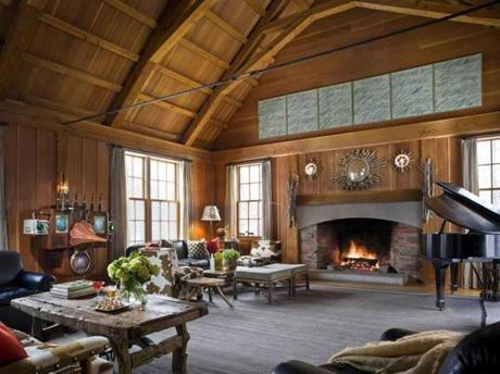 18alternative - At Twin Farms, resort guests can get cozy indoors - or they can lure themselves away from the fireplace to enjoy frosty activities. (Twin Farms)