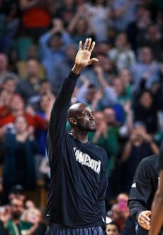 Garnett acknowledged the crowd during a timeout.