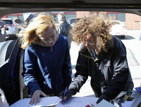 Donna M. Colorio (right), chairwoman of End Common Core Massachusetts, organized a canvassing effort with Agatha Bodwell in Danvers on Saturday.