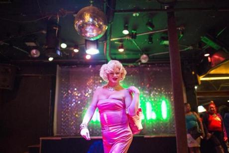 gay clubs lynn ma