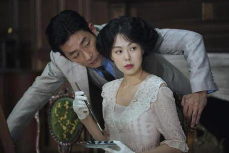 HA Jung-woo and KIM Min-hee in the 2016 film THE HANDMAIDEN, directed by Park Chan-wook. 28handmaiden