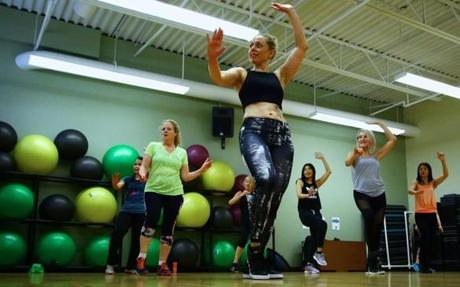 Emily Greten leads her Zumba class Sunday morning at the Lynch van Otterloo YMCA, located in Marblehead. Mark Lorenz for The Boston Globe
