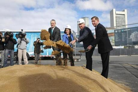 Jeff Immelt (second from right) took part in a ceremonial groundbreaking last month in Fort Point.